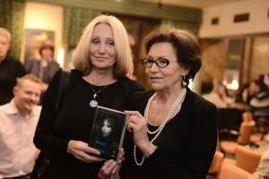 _Olga_Sommerová_a_Marta_Kubišová__krest