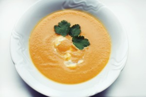 NATURHOUSE-recept-mrkvová polévka s koriandem