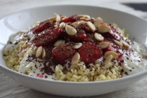 těstovinová rýže s jahodami