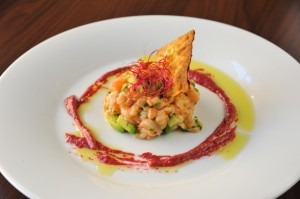 Ceviche z cerstveho lososa s avokadem