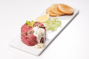 Tatarák s gorgonzolou - Tartare con salsa al gorgonzola