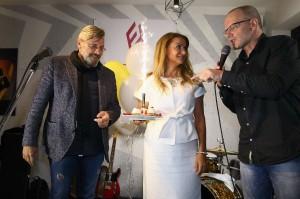 majitel bistra s Y. Blanarovičovou a P. Andělem