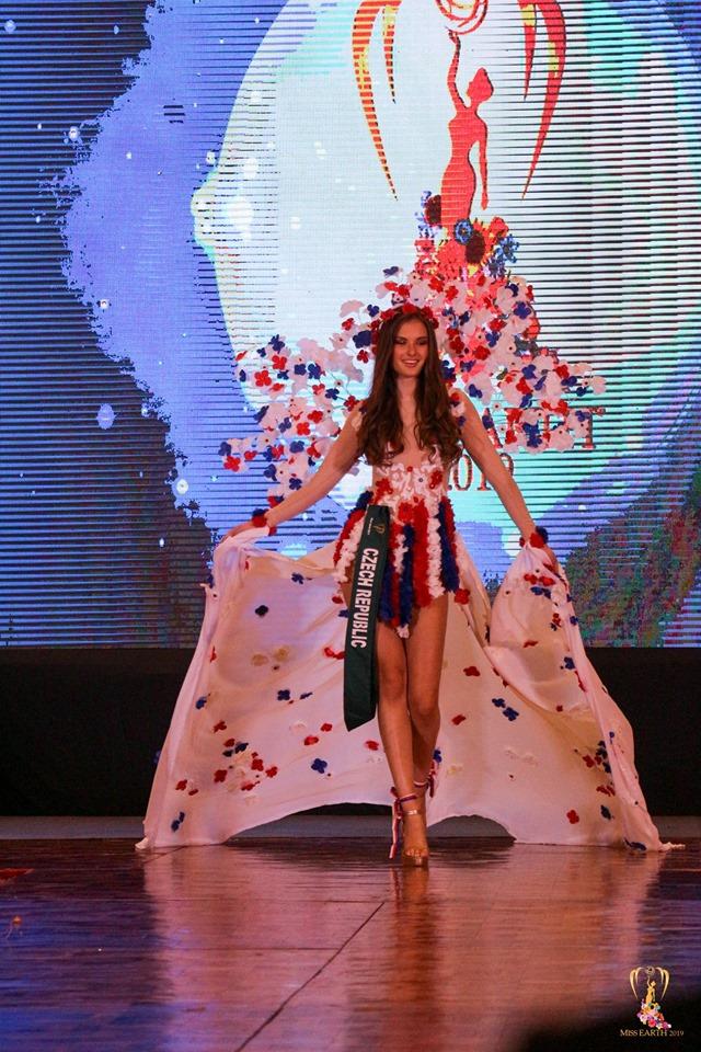 facebook.com_miss earth kostým