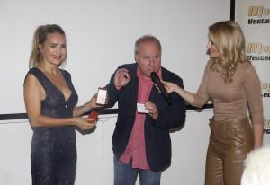 Videoklip Stanice Svìt se 21. 10. 2019 køtil v pražské kavárnì Wine Not.