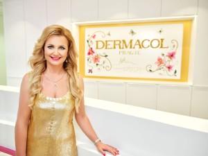 Věra Komárová v nové recepci sídla Dermacol_foto Dermacol