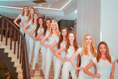 Poslední společný den finalistek v Jaltě před karanténou