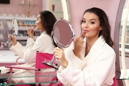 Iva Kubelková nedá na kosmetiku značky Dermacol dopustit_foto Dermacol