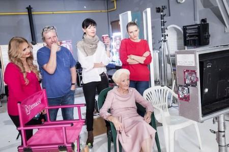 Režisér FA Brabec s týmem Dermacol při natáčení reklamy_foto Dermacol