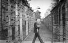 U příležitosti Vzpomínky na BIIb se letos rozsvítí svíčky na místě  tehdejšího vyhlazovacího tábora v Osvětimi – Birkenau